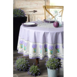 Fata masa rotunda cu flori de lavanda