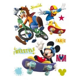 Stickere Mickey si prietenii pentru perete camera copii