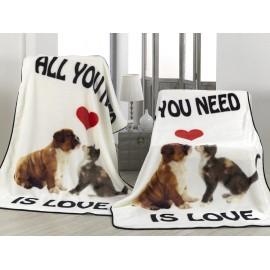 Patura alba Love cu pisica si bulldog