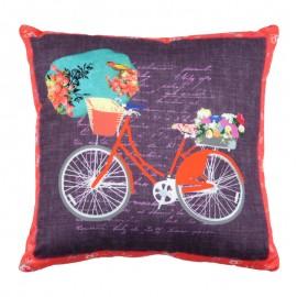 Perna mov cu bicicleta rosie