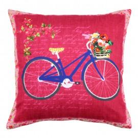 Perna rosie cu bicicleta albastra