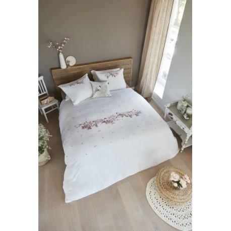 Lenjerie de pat cu pitigoi si flori roz