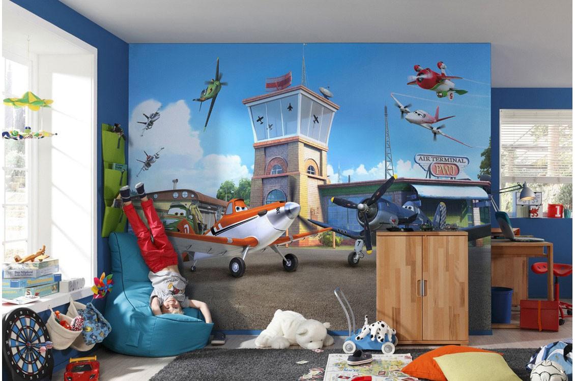 Aici poti alege din o varietate larga de fototapet camere copii cu personajele indragite din filmele Star Wars, The Avengers, Spiderman si desenele animate Disney.